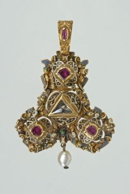 A jeweled pendant, Germany, ca. late 16th century. This general design is very ancient, pins and pendants in this shape are found in many Vikining era and Northern European graves.