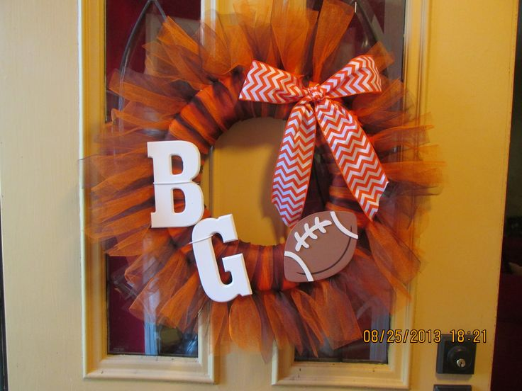 Bowling Green State University (BGSU) college football wreath