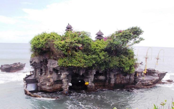 Tanah Lot Temple - Indonesia