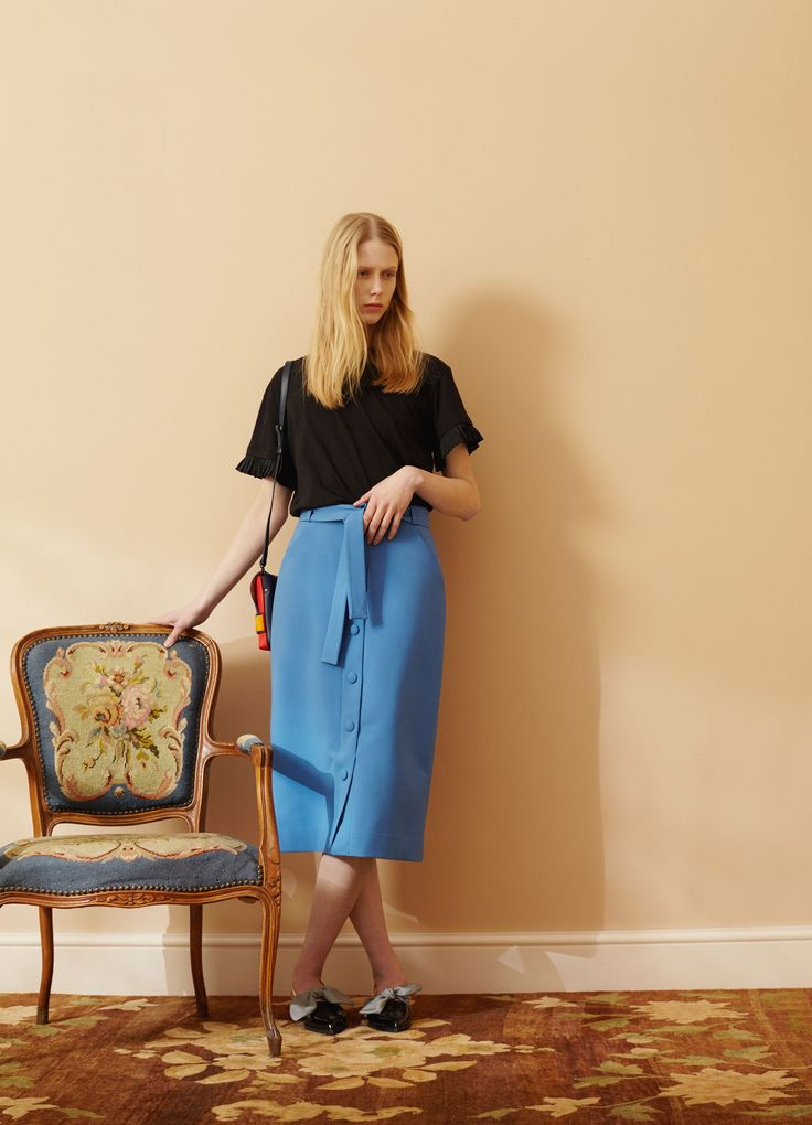 http://www.vogue.com/fashion-shows/pre-fall-2016/mother-of-pearl/slideshow/collection