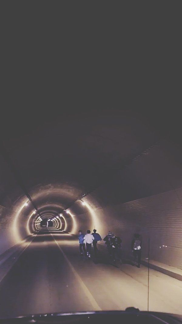 BTS RUN MV lockscreen