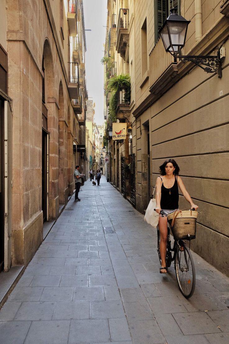 Chica en bicicleta