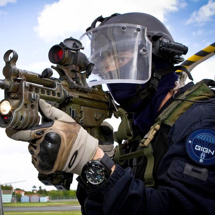 Gendarmerie nationale sur pinterest police gign gign et for Gendarmerie interieur gouv fr gign