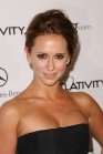 Jennifer Love Hewitt, Actress: Ghost Whisperer. Jennifer Love Hewitt got her first name from her older brother Todd Daniel Hewitt (b. November 8, 1970), who picked the name after a little blonde girl he then had a crush on. Her mother selected her middle name, Love, which she goes by offstage from her best friend at college. Her mother, Pat, is a speech pathologist and her father...