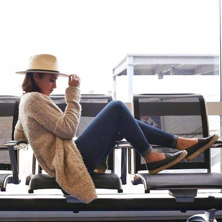 Успейте подготовиться к периоду отпусков, тем более, что в JiST скидки до 50% на летние коллекции 2017 года. Ведь джинсы, джинсовые шорты и куртки незаменимы в путешествиях. JiST, ул. Саксаганского 65 или jist.ua #fashion #outfitidea: #stylish #jeans help create #chic & #comfy #summer #outfit for #travel  #мода #стиль #тренды #джинсы #модно #стильно #киев #распродажа #скидка