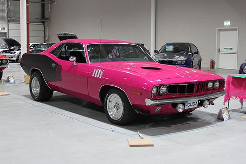baracuda- I usually say pink doesn't belong on muscle cars and guns but this looks awesome!