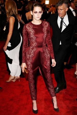 Kristen Stewart in Stella McCartney.