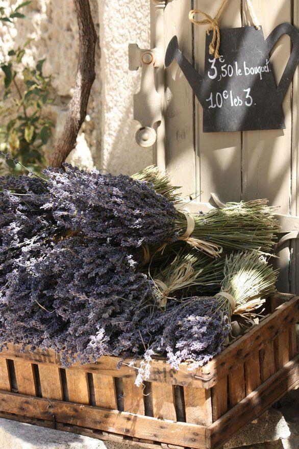 Viva la Provence. Wedding Inspiration #weddingideas #art2arrange #weddingplanner