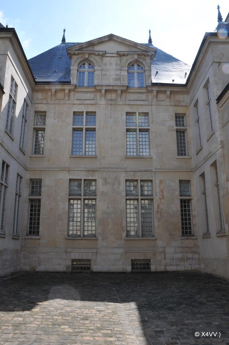 Le Marais  Hotel De Donon  Courtyard  Private Mansion  8