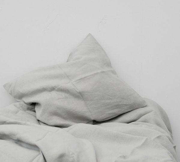 sengesett av lin | grå