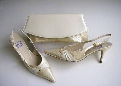 Renata designer shoes matching bag cream snakeskin size 5.5