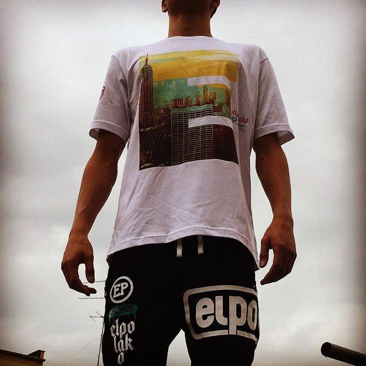 El polako jest moc! Więcej w sklepach cliff sport  #elpolako #elpolakowear #polishboy #blokowisko #streetstyle #modauliczna #cliffsport #donguralesko #elpolakoclassic #jestmoc #miasto #elpolakoboy #madeinpoland #polskienajlepsze #prawdziwiludzietociktorzypotrafiasiedziwic #rzprdl #gural #jesien #outfit #rap