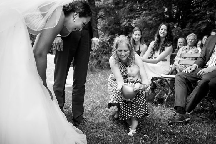 Bruidsmeisje en gouden appel ringkussen bruiloft de olmenhorst