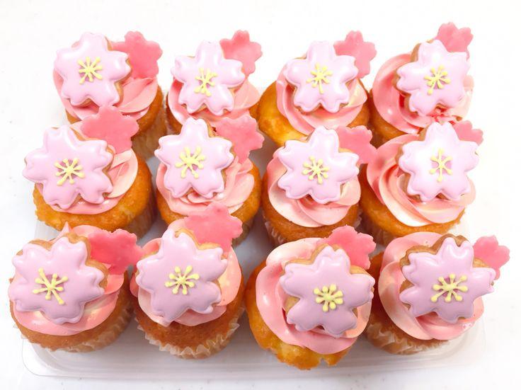 桜 カップケーキ