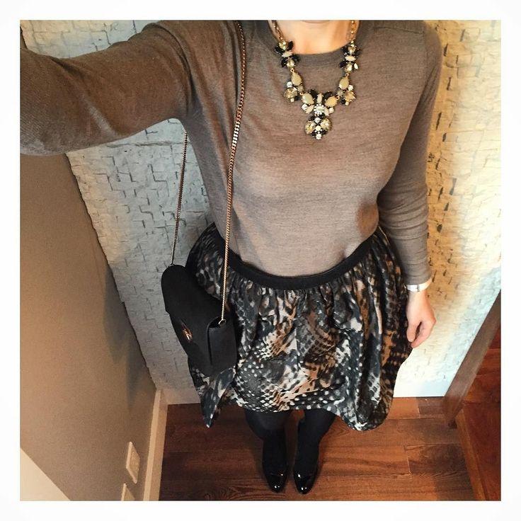 Ready for anorher week #ootd #outfitoftheday #outfit #todaysoutfit #todayiamwearing #mylook #style #workoutfit #mondaymotivation #fashionblogger #fashion #instafashion #dailylook #tarajarmon