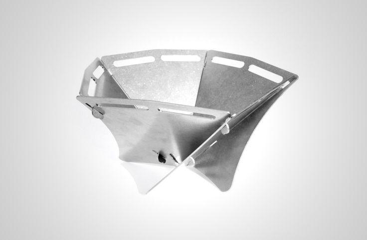 三角形から六角形まで、パネルの組み合わせで自在に変形する焚き火台 fire bowl