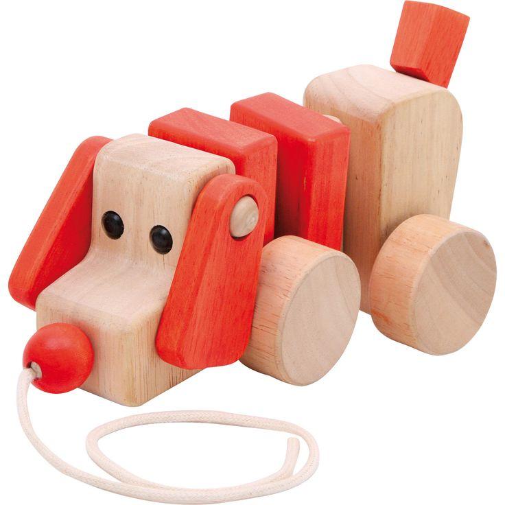 Câinele de lemn pe roți va fi prietenul fidel al micuțului tău! Acesta îl va urma peste tot.