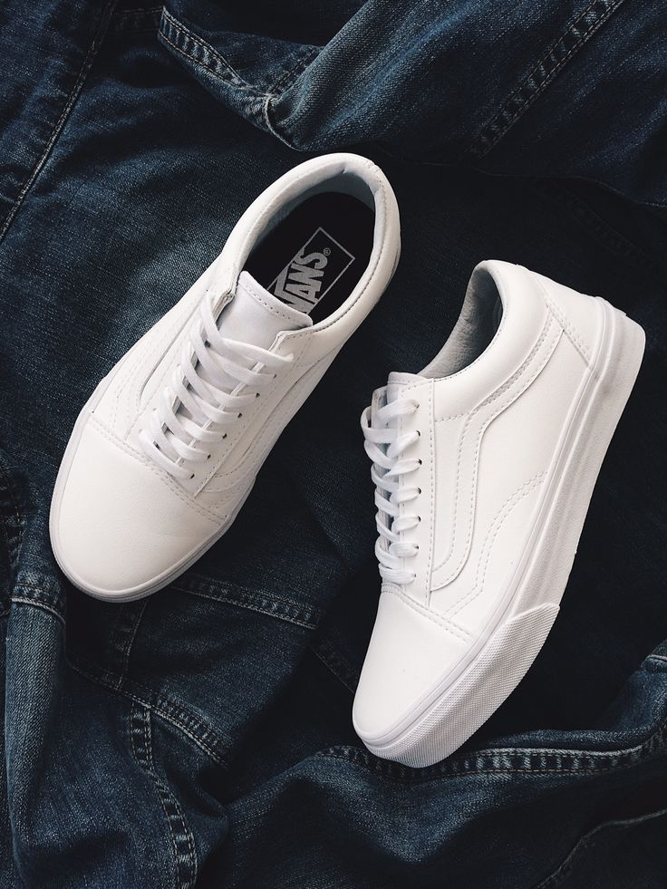 VANS VA38G10DJ UA Old Skool Tumble True White #idenza #vans #whitesneakers #denim