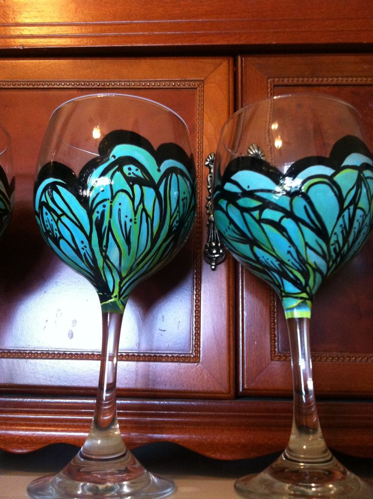 17 best images about glass painting on pinterest for Christmas painted wine glasses pinterest