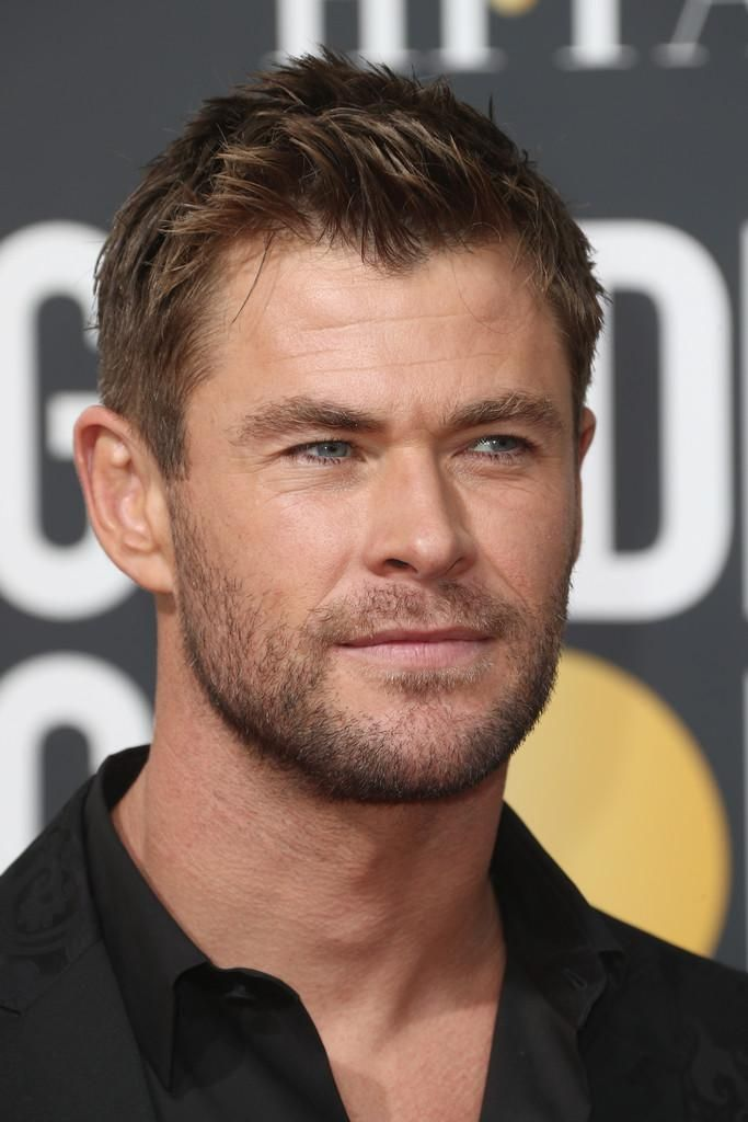 Chris Hemsworth At The Golden Globes With Images Chris Hemsworth Chris Hemsworth Thor Hemsworth