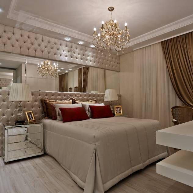 La pared del cabecero en Capitone durado con espejo dan el toque Magnífico a todo el dormitorio que se complementa totalmente en tonos neutros....Precioso💙💗💙💗💙💗💎💎💎