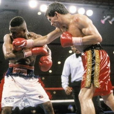 Julio Cesar Chavez vs Meldrick Taylor: the most controversial finish in boxing history? 👉🏻LINK IN BIO🔝 http://www.boxingnewsonline.net/julio-cesar-chavez-vs-meldrick-taylor-the-most-controversial-finish-in-boxing-history/  #boxing #BoxingNews #ChavezTaylor