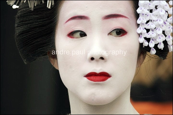 Geisha of Gion, Kyoto, Japan by Andre Paul Photography http://www.andrepaul-photography.com