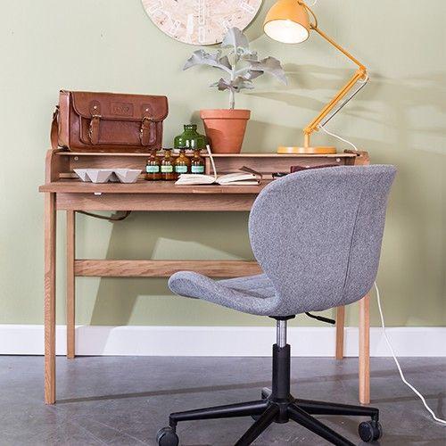 Zuiver Barbier bureau is gemaakt van essenhout. Het bureau is afgewerkt met een transparante PU-lak. Het bureau wordt flat pack geleverd. Je dient alleen nog de poten te monteren. Gebruik hiervoor de bijgesloten handleiding.  Materiaal: essenhout, blanke lak Maximaal draaggewicht: 20 kg