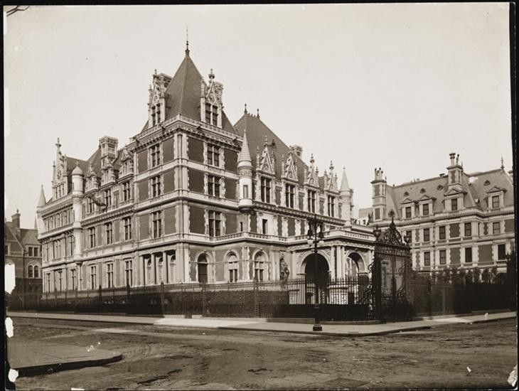 Pin By Michael Klein On 0 0 Victorian Houses Vanderbilt Mansions American Mansions American Castles
