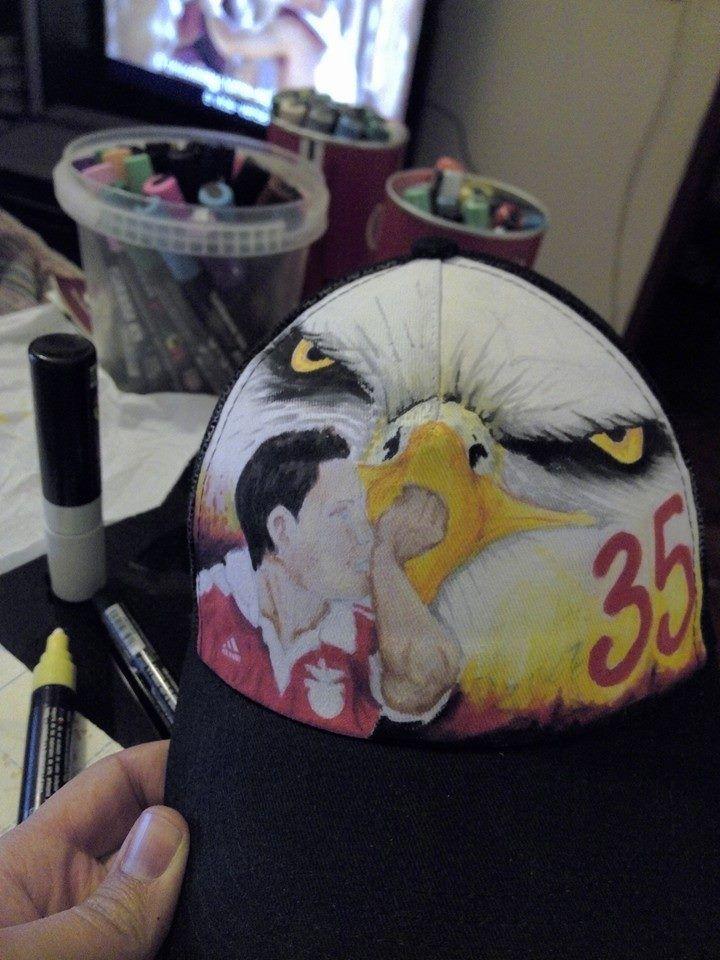 Boné desenhado e pintado com Uni Posca #enzoperez #slb #35