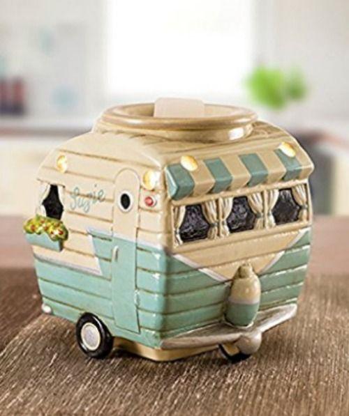 This is so cute! Retro camper wax warmer