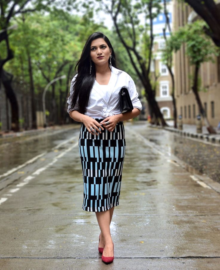 Skirt – Topshop | Shirt – Marks and Spencer (Men) | Bag – Zara | Earrings- Amrapali | Shoes – Zara  #topshop #marksandspencer #pencil skirt #whiteshirt #streetstyle #amrapali #silverjewellery #chandrikacollection #streetstyle #fashionblogger #styllogue