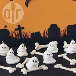 Fantômes et os en meringue pour Halloween @ allrecipes.fr