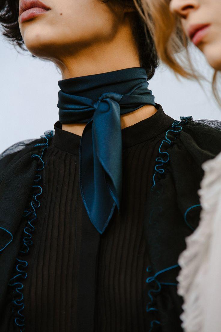 Le foulard Chloé