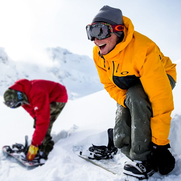 Be prepared for whatever the mountains and Mother Nature might throw at you. #OakleyBiozone — con Jake Blauvelt  MASCARAS OAKLEY  http://www.gafasydesol.com/productos/gafas-de-sol-oakley-mascaras