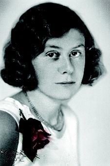 """Poet Saima Harmaja (1913–1937), Finnish Anne Frank and Anne of the Green Gables. Died from tuberculosis at the age of 23. """"Polku on keskellä yötä, kun sinun silmäsi nään."""" 8.12.1935"""