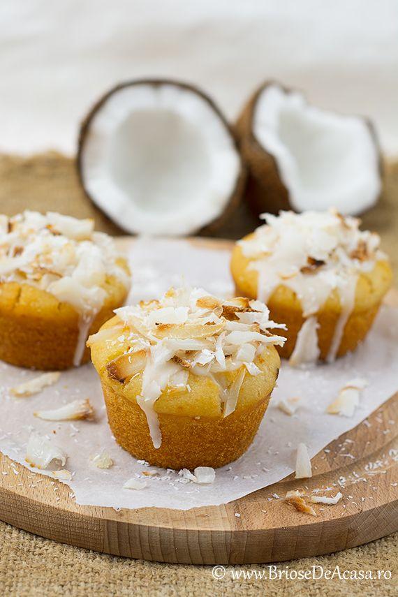 Briose de post cu nuca de cocos si lapte de cocos