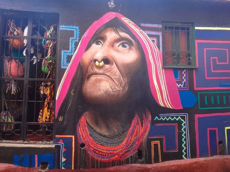 Ontem publicamos um post com um roteiro por Bogotá. A cidade é famosa por seus grafites que colorem e lhe dão vida. Uma delícia caminhar e admirar! Para mais veja  letsflyaway.com.br ---------- Yesterday we published a post with about tour by Bogota. The city is famous for its graffiti which colors and give it life. A delight to walk and admire! For more read  letsflyaway.com.br ---------- #bogota #colombia #streetart #graffiti #grafite #graffitiart #bestvacations #igtravel #instatravel…