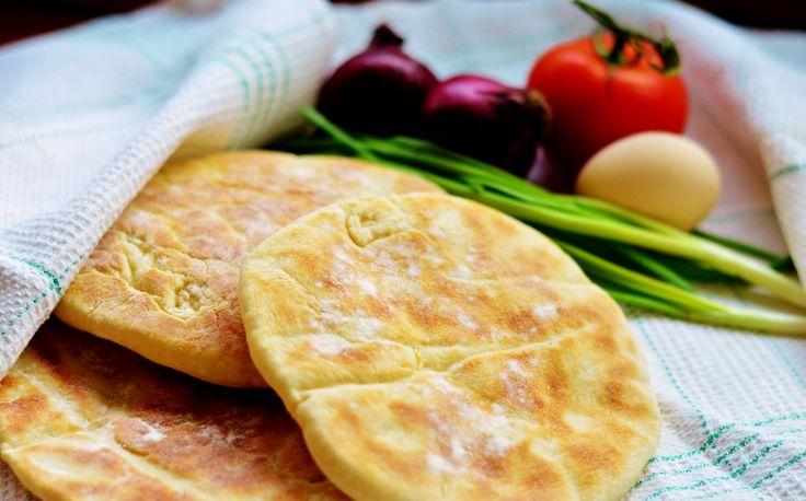 BAZLAMA (Turecka Pita) http://tureckieprzepisy.blogspot.com/2014/01/bazlama-turecka-pita.html