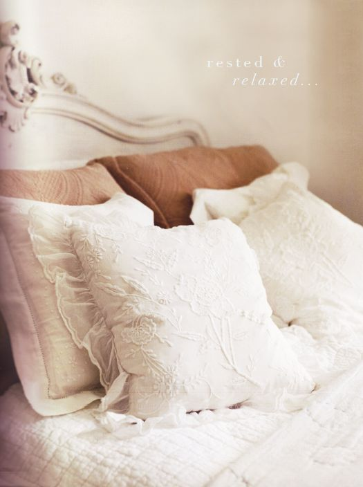 love the pillows.: Beds, Bedrooms Interiors Design, Soft Colors, Design Bedrooms, Dresses Design, Beautiful Linens, Dreamy Bedrooms, Pillows, Beautiful Bedrooms