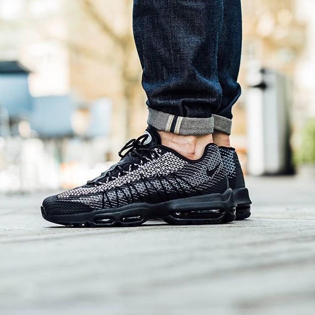 new style 2c86a edd77 140 best Air Max and maybe other sneakers too. images on Pinterest Nike air  max Nike Air Max 95 Trainers In Off White ...