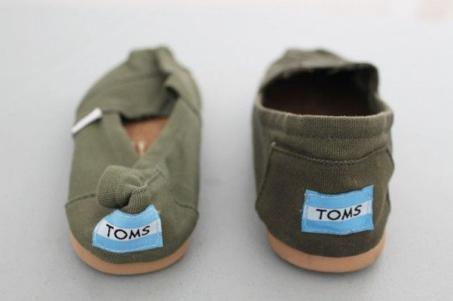 Waterproofing shoes like toms for winter - pin now, read later