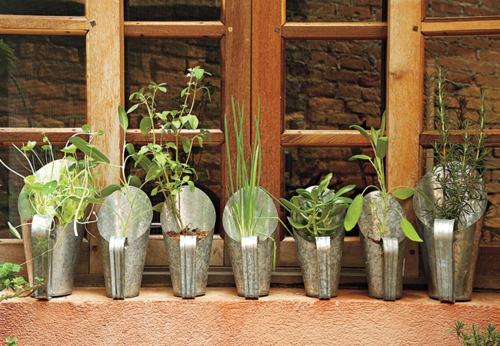 herbs: At Home, Fun Idea, Horta Em, Diy'S, Boa Ideia, Herbs Gardens, Jardine Verticai, Ever-Living Garden, Kitchens Sinks
