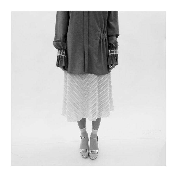 Soon on www.cajun.ro #statementlook #minimalism #femininmood