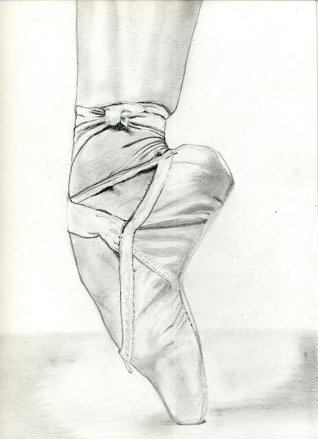 Hello, retour à mon crayon à papier bien aimé pour un petit pas de danse... La magie d'un pied de ballerine, la pointe parfaite et sadique, d'une verticalité presque irréelle. Et oui, j'aime dessiner les mains, et les pieds. Je ne sais pas pourquoi mais...