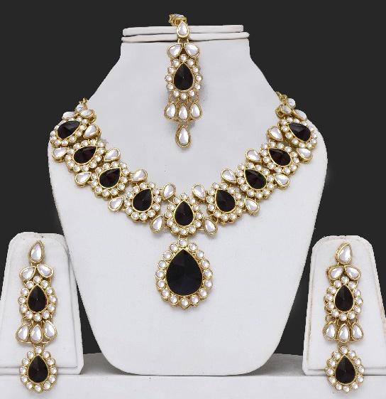 Black Kundan Jewelry