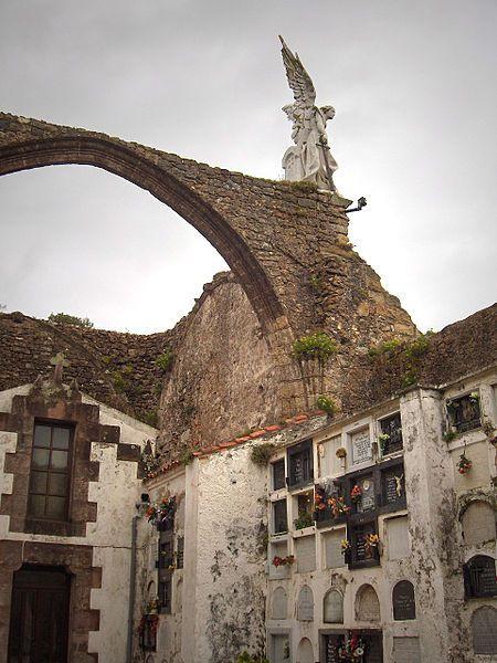 Cementerio en Comillas. Camino del Norte. #Cantabria #Spain #Travel