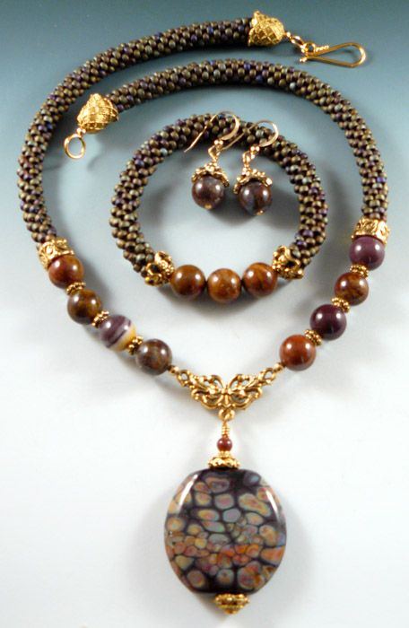 Lovely brown jewelry set