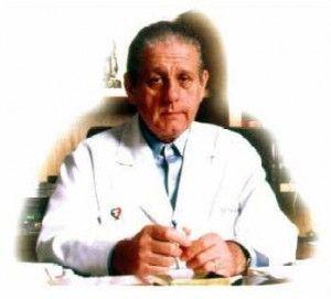 René Gerónimo Favaloro (La Plata, Argentina, 12 de julio de 1923 - Buenos Aires, Argentina, 29 de julio de 2000) fue un prestigioso médico cardiocirujano argentino, reconocido mundialmente por ser quien realizó el 1st bypass cardiaco en el mundo