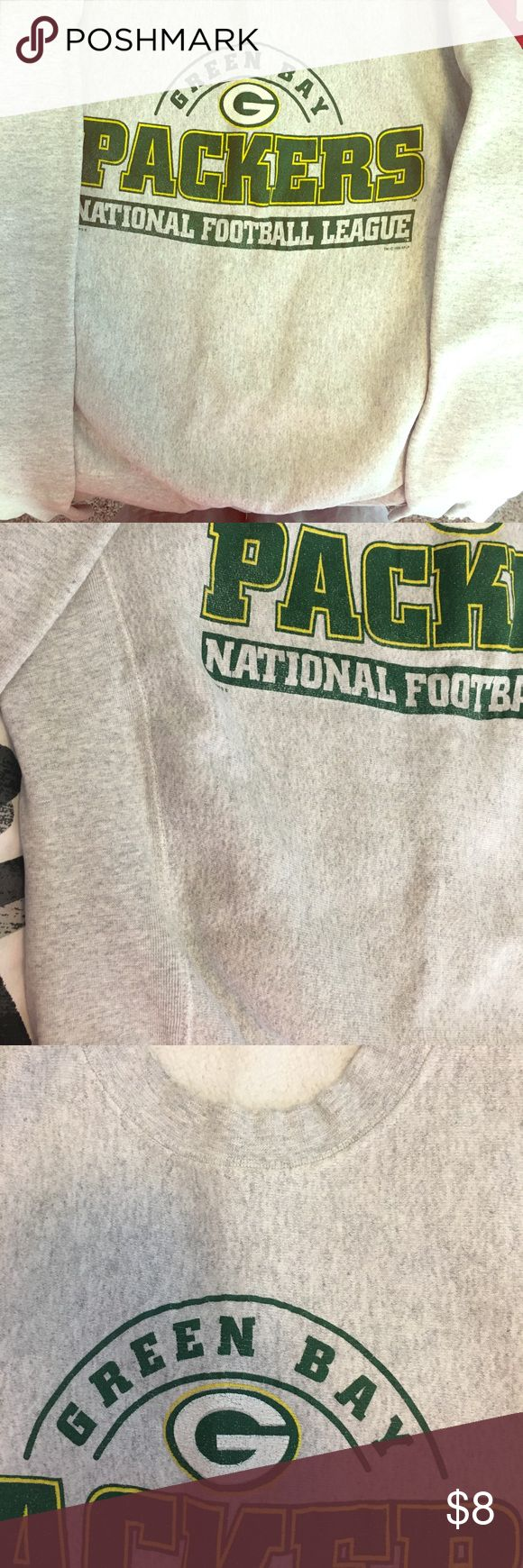 """GREEN BAY PACKERS Sweatshirt!! 💚💛💚 Can I get a """"GO PACK GO!!""""?!? Ladies medium, Packers sweatshirt. Where are all my Packer Backers?? 💛💚💛 Tops Sweatshirts & Hoodies"""